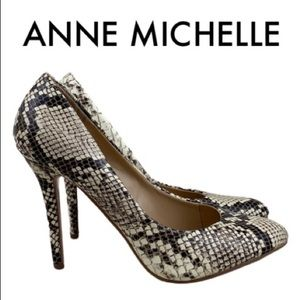 ANNE MICHELLE BLACK WHITE SNAKE HEELS SIZE 8.5